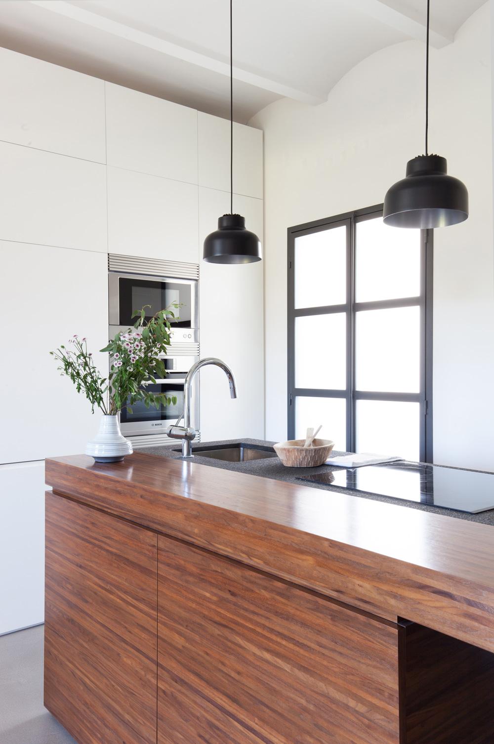 Apartamento reformado en ciutat vella barcelona blog for Muebles estilo nordico barcelona