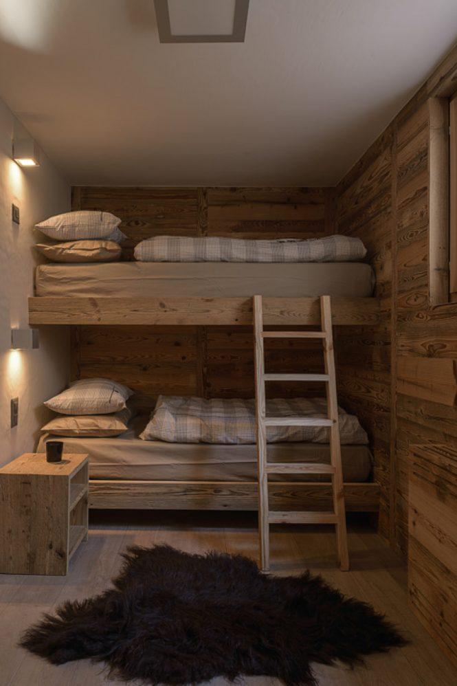 tablones madera revestimiento lavabo piedra estilo nórdico estilo escandinavo estilo alpino chalet suizo casa montaña Casa de madera