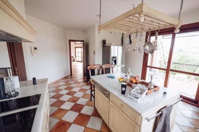 villa tradicional villa nórdica marbella villa lujo norethnic style luxury villa estilo étnico nordico costa del sol before after antes-después