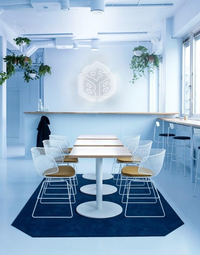 oficinas de Bakken y Bæck líneas escandinavas Futurismo y líneas escandinavas estilo escandinavo espacios nórdicos monocromáticos diseño puesto trabajo diseño oficinas diseño locales comerciales decoración oficinas