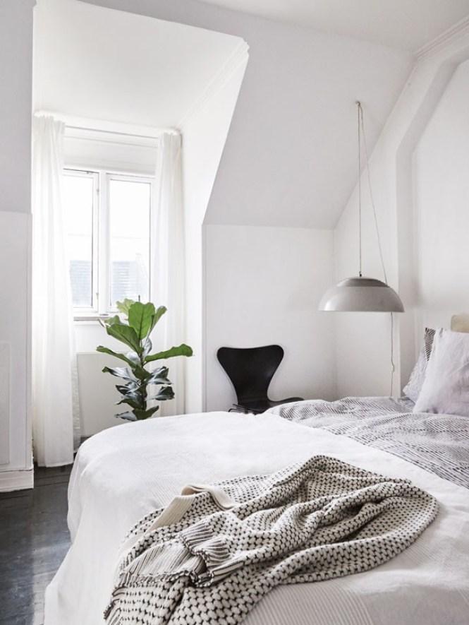 vigas de madera ventanas en el tejado panorámicas ventanales en el tejado techo atico vigas madera revestimientos tejados diseño interiores decoración escandinava atico diseño