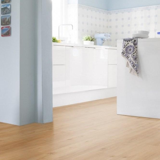 Suelo vinílico, parquet, tarima, papel pintado, moqueta - todo para la reforma de casa en BRICONEO