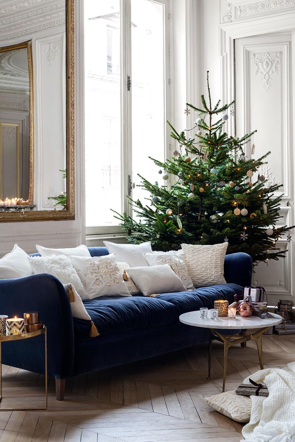 Navidad escandinava ? Candelabros, grandes estrellas y el protagonista, el árbol de navidad