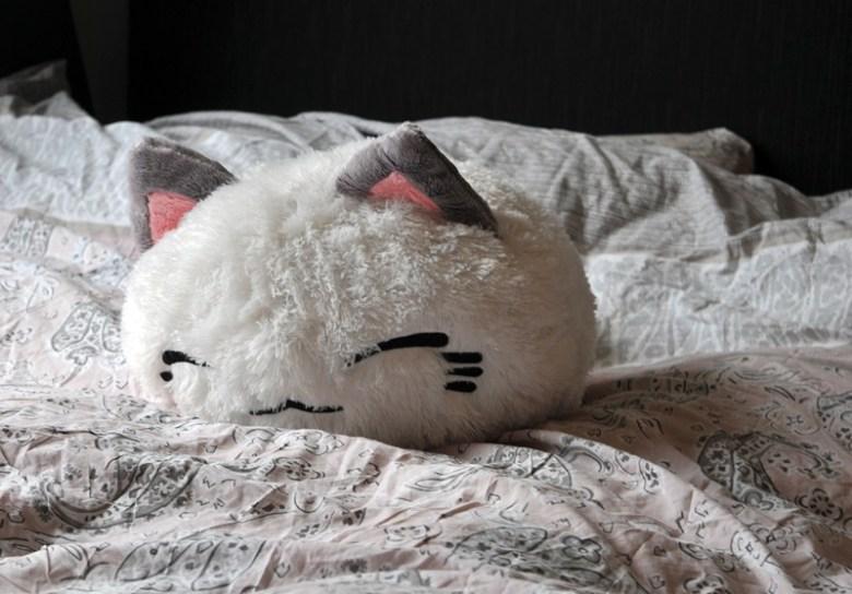 141105-03-gamex-loot-plush-cat
