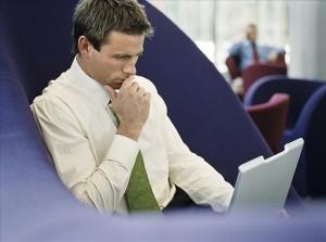Abogados 300x223 Los fraudes al seguro también se investigan en redes sociales