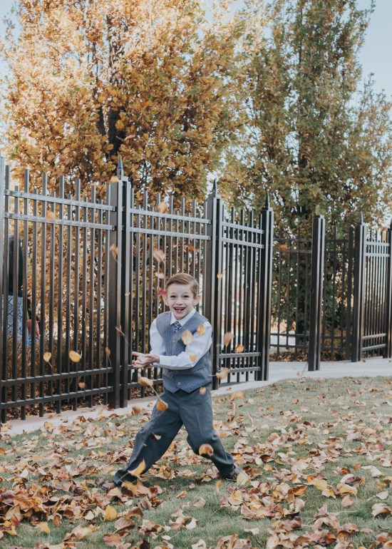 Blogger | Photographer | All Things lifestyle Family Photography | Utah Photography | Utah Newborns | Newborn Lifestyle | Utah | Pets | LDS Temple | Oquirrh | Dellany Elizabeth | Pose ideas | Photography | Baptism