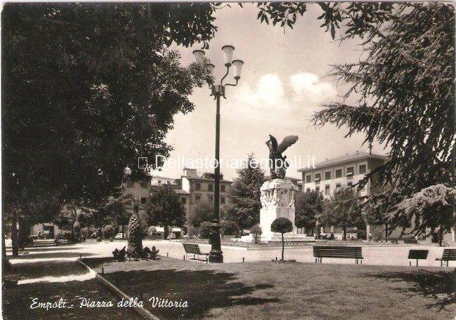 Empoli - Piazza della Vittoria anni 60 1