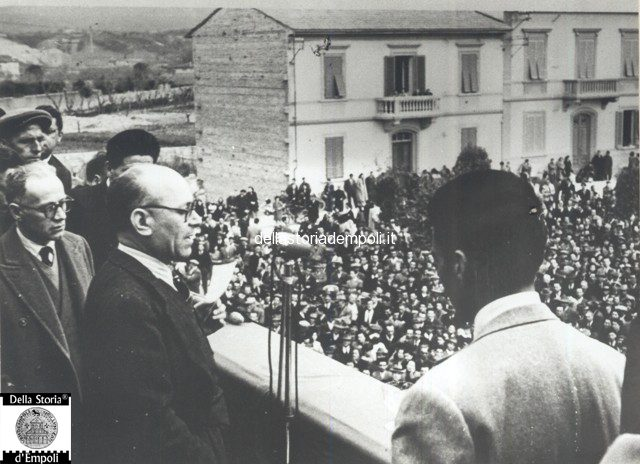 Empoli - Piazza Gramsci comizio Terracini