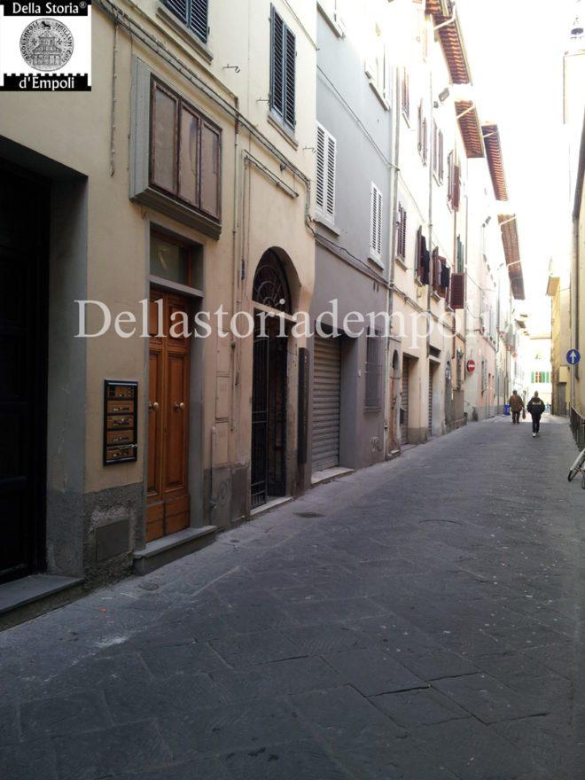 Empoli - Via de Neri tabernacolo vicino il Chiassetto (1)