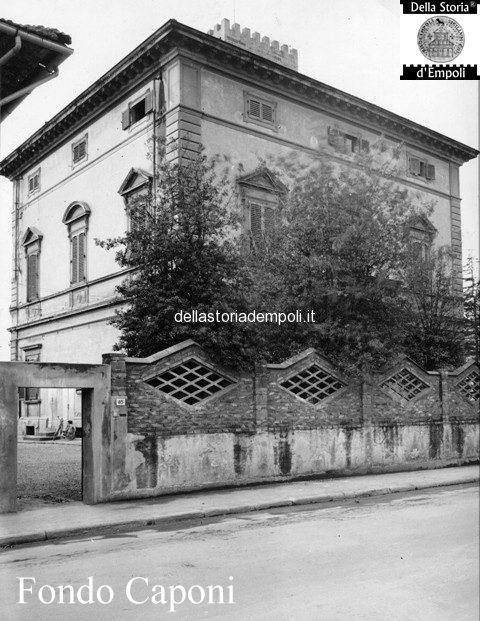 Ex Villa Pini, Via Cavour (la recinzione fu cambiata in seguito)