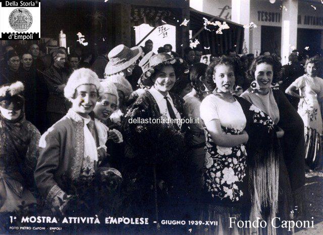 Mascherati alla Mostra delle attività empolesi 1939