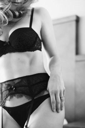 black-and-white-boudoir-030
