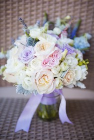 brides lavendar and pink bouquet