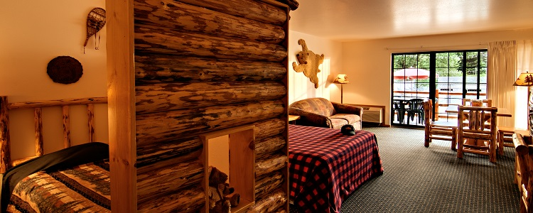 Bunkhouse Suite Ideal For Kids At Meadowbrook Resort & Dells Packages In Wisconsin Dells
