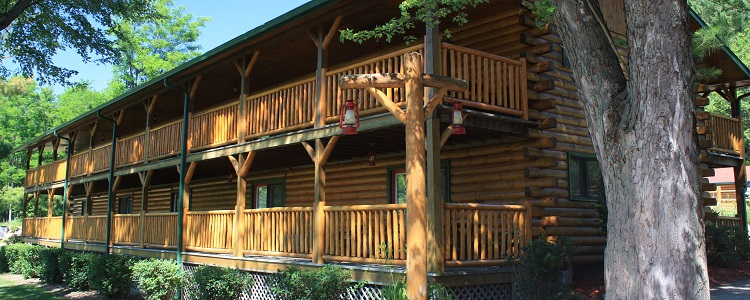 The Ponderosa Log Accommodations At Meadowbrook Resort & Dells Packages In Wisconsin Dells