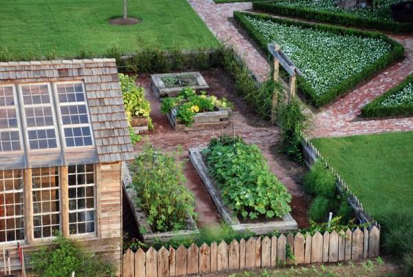 fabulous farmhouse garden picket