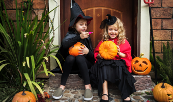 Healthy Halloween treats for trick-or-treaters
