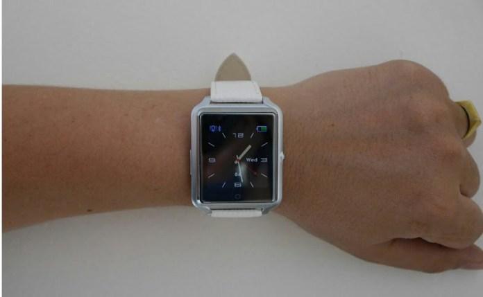 CG iWear Smartwatch