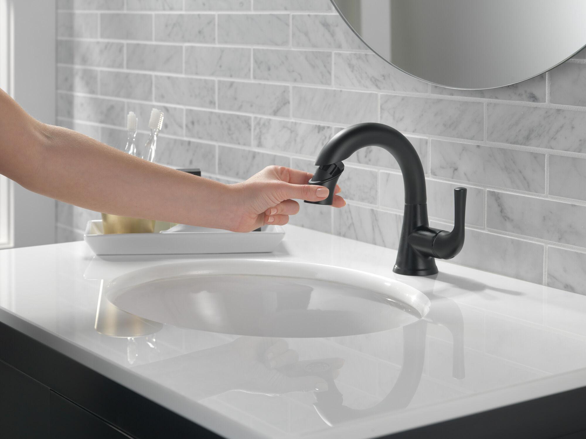 single handle pull down bathroom faucet