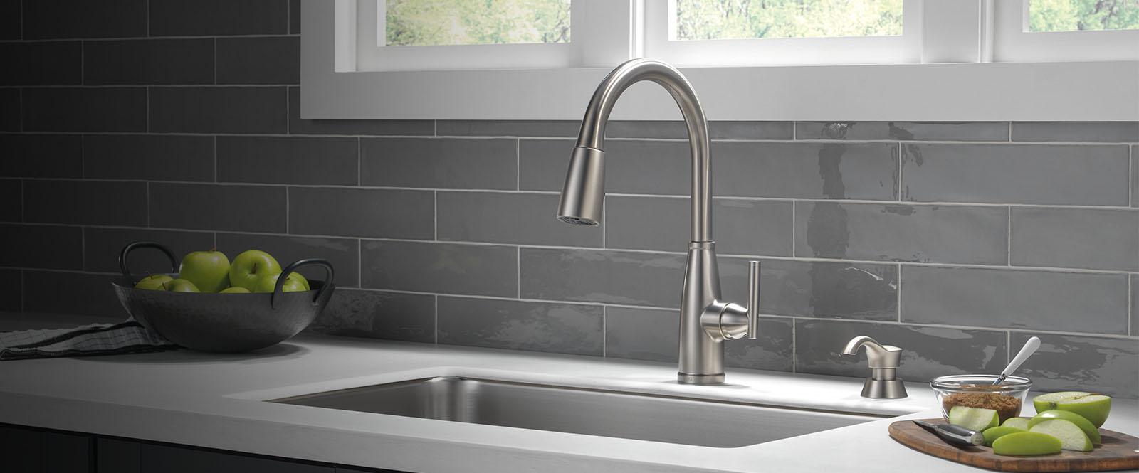 varos kitchen collection delta faucet