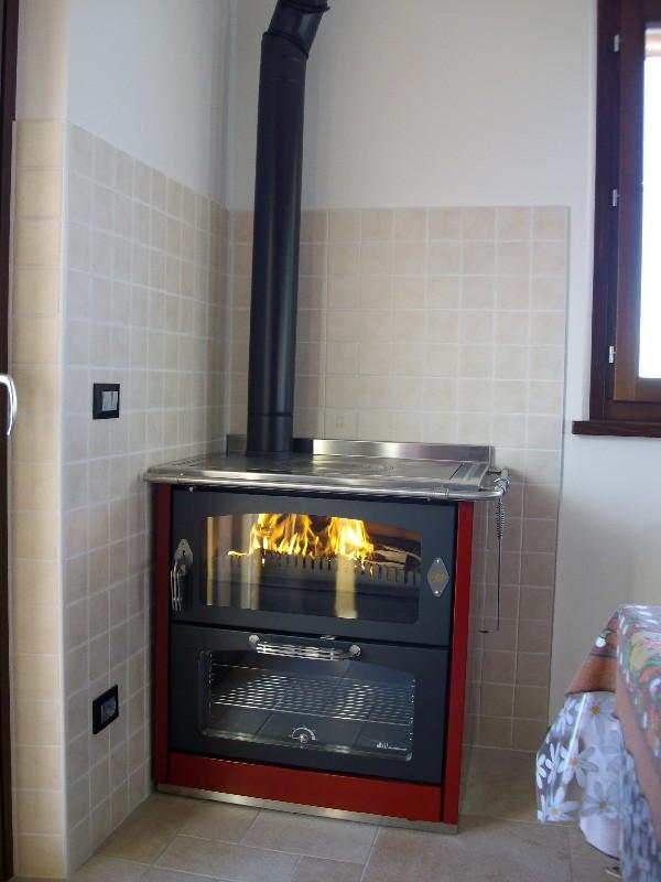 DELTAFUOCO di Venica Mauro  Spolerts Caminetti Termocaminetti Cucine in muratura Cucine e