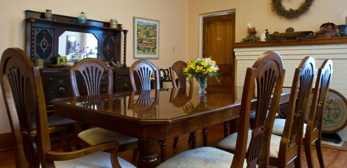 delta-street-inn-dining-room