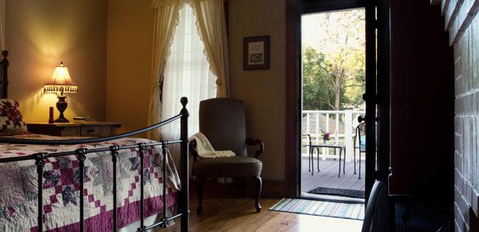 room-3-home-comfort-delta-street-inn-jefferson-tx