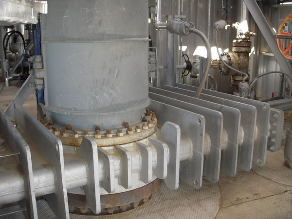 Fully Automated Coke Drum Top Unheading Valves