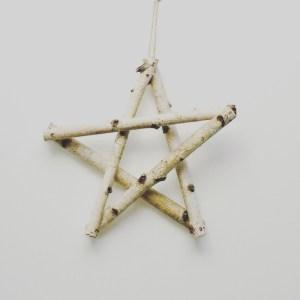 Etoile en bois, réalisée à partir de branches de bouleaux. Création artisanale Française by Deluxe Créations