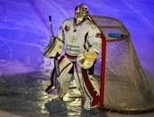 Le gardien de l'équipe de hockey sur glace de Grenoble.