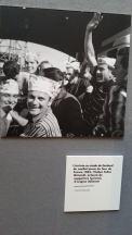 Le cycliste italien Felice Gimondi remporte le Tour de France 1965. A Lyon, il est acclamé par les immigrés italiens.