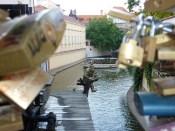 Prague se veut romantique