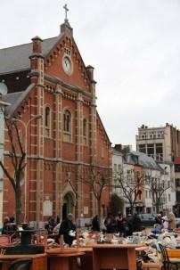 L'église de l'Immaculée Conception borde la place du Jeu de Balle.
