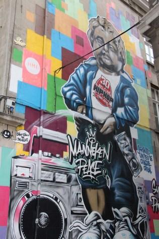 De nombreuses fresques ornent les murs de Bruxelles.