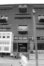 Façade du Hype Lounge, à Confluence.