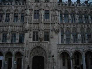 Détails de la Maison du Roi, en face de l'hôtel de ville.