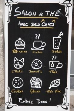 Thés et pâtisseries sont proposés au Gentlecat.