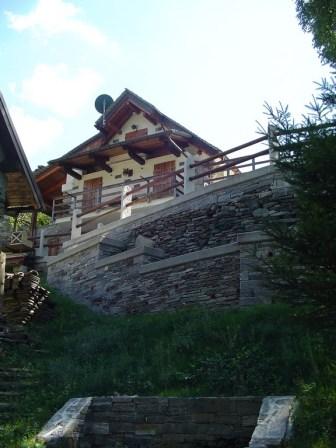 De nombreuses maisons bénéficient d'une vue superbe.