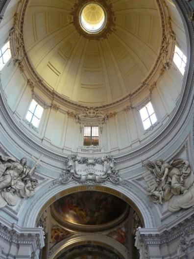 Dans l'église de Bologne.