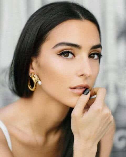 האישה הגאורגית היפה