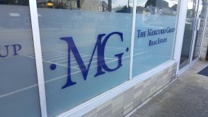 Mercurio Group Glass Lettering 06