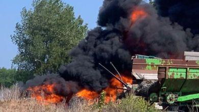 Photo of Bandenstapel vat vlam aan Oostermiddenmeerweg