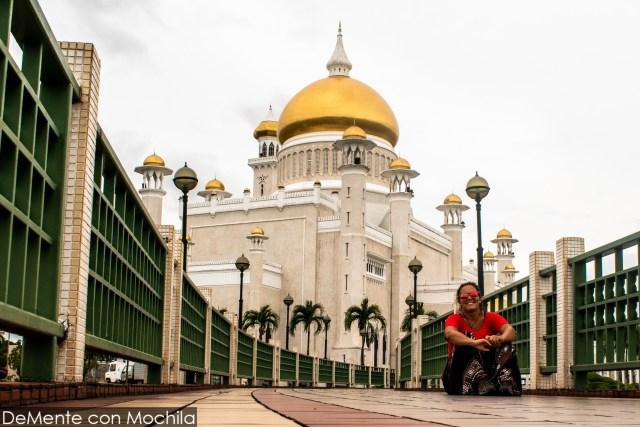 en la mezquita más famosa de Brunei