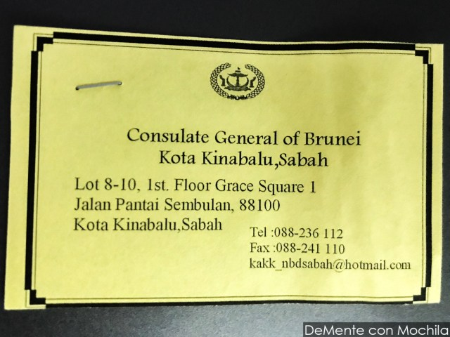tarjeta con datos del consulado