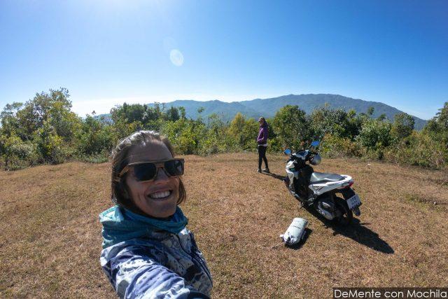 en moto por las montañas