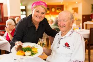 elderly-man-dining-aged-care-meals-800x533