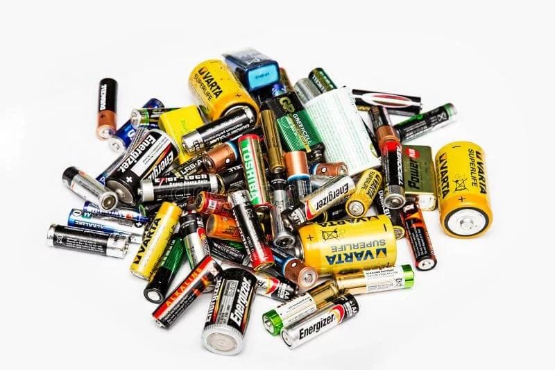 pile-used-batteries