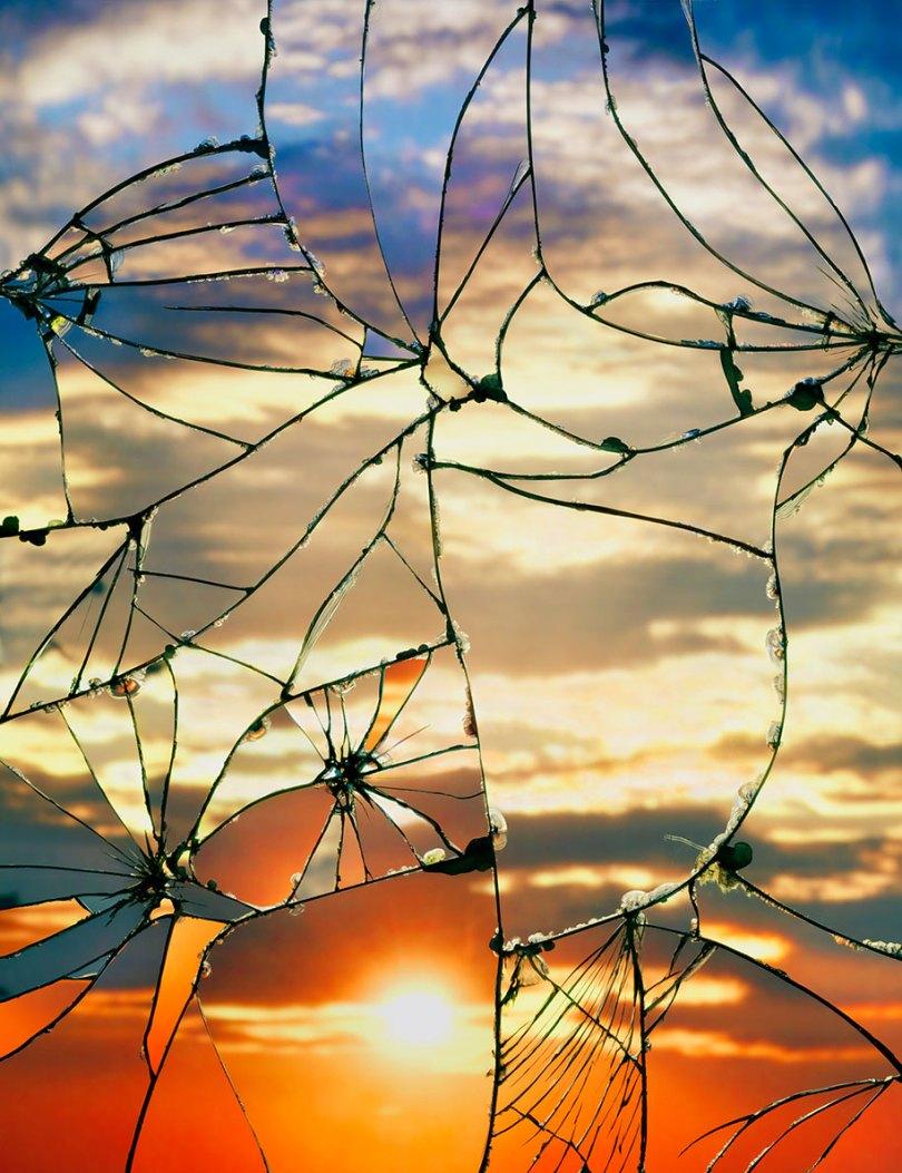 broken mirror evening sky photography bing wright 11 - Pôr-do-sol visto através de espelhos quebrados