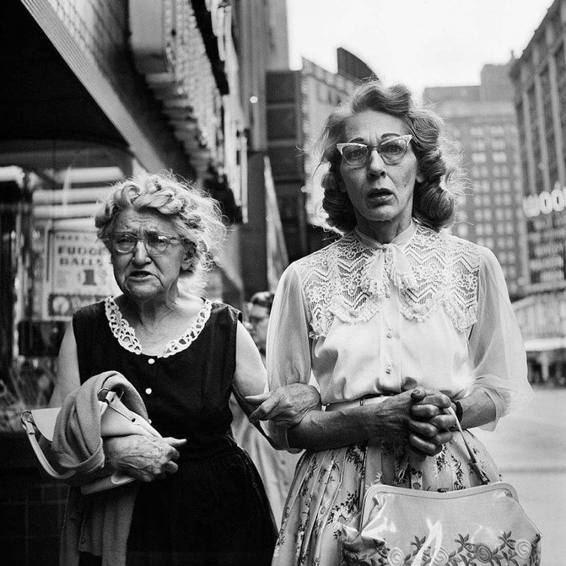 new york chicago street photography vivian maier 13 - Fotos perdidas de Vivian Maier do dia a dia americano nas décadas de 50 e 60