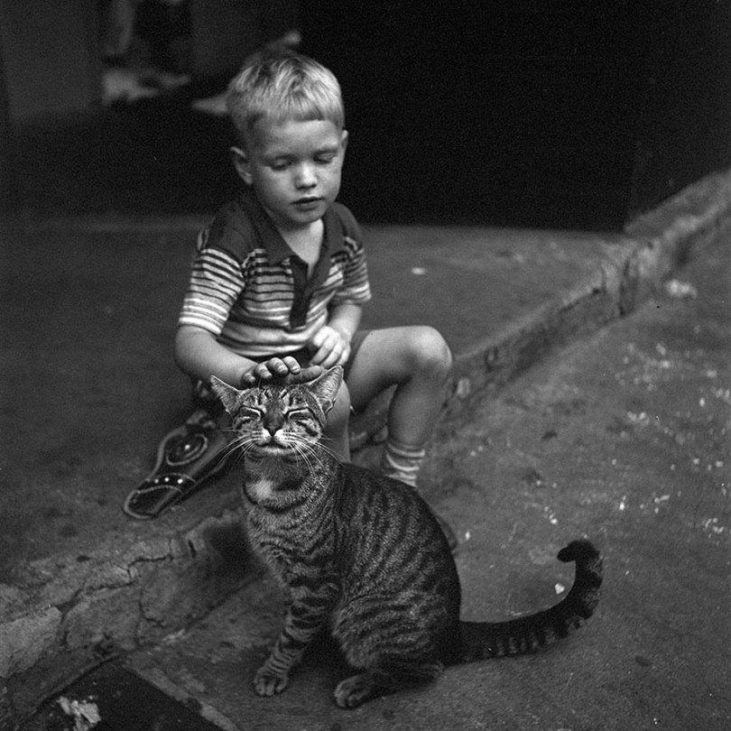 new york chicago street photography vivian maier 29 - Fotos perdidas de Vivian Maier do dia a dia americano nas décadas de 50 e 60